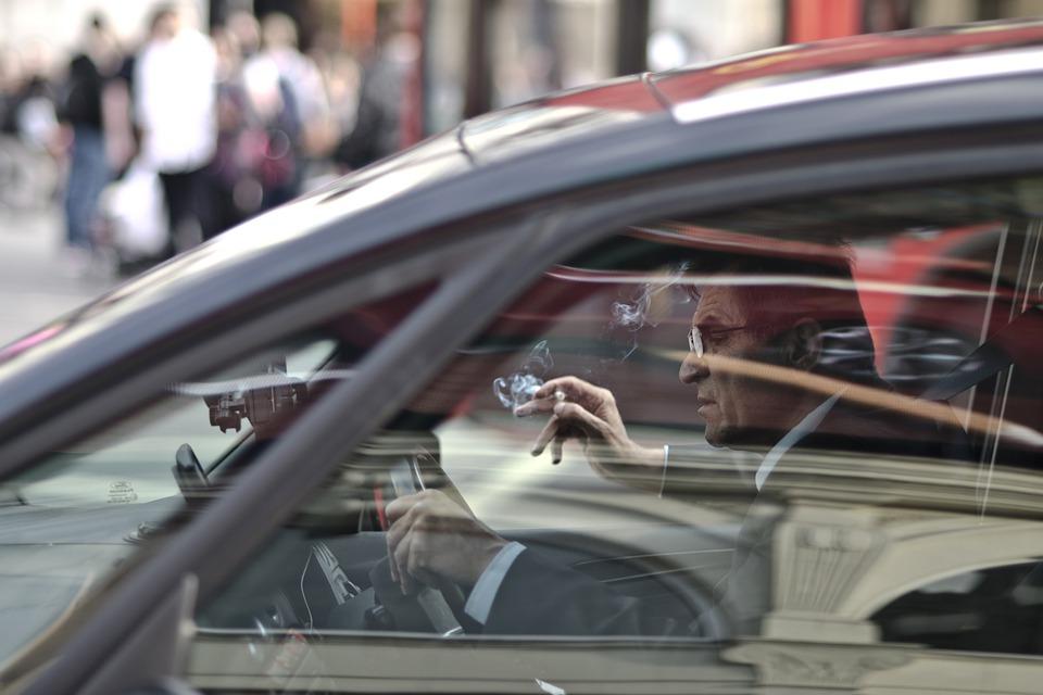 Rygning i bil
